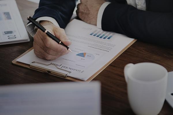 O que deve ser analisado ao investir em uma casa de ração?